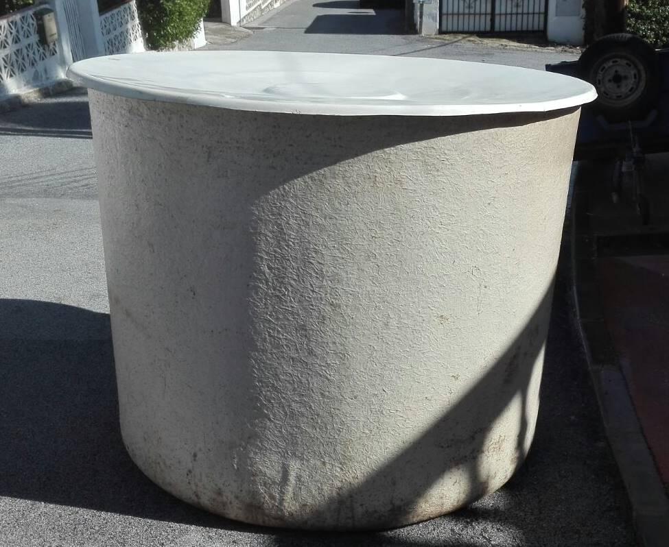 Depósito standard cilíndrico con tapa
